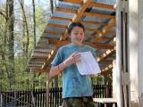 Marťan vysvětluje historii souboje mezi skřítky a jezerními bahňáky