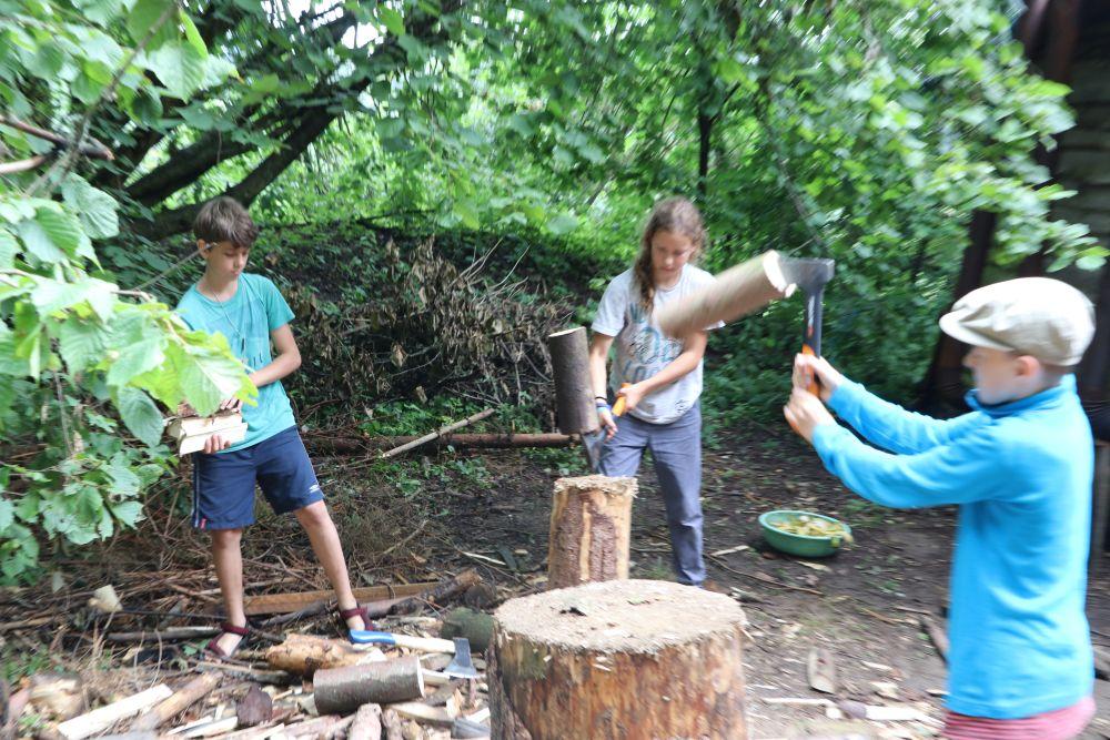 dodelavame dalsi drevo